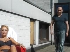 Amatuer big tits vid shows me sucking a German dong