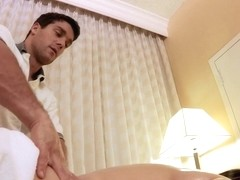Dirty Masseur: Complimentary Pussy Massage. Claire Dames, Ramon