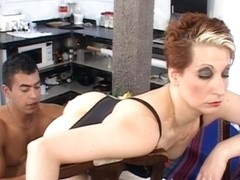 Mature slut enjoys having some kinky action