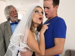 Britney Amber & Justin Hunt in A Package Deal - BrazzersNetwork