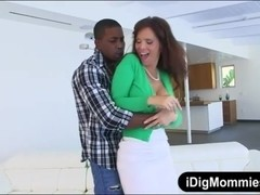 Freaky Elektra threesome with her stepmom and big black cock