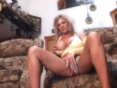 Muscled milf pumps and plays part 1