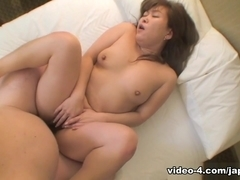 Amateur Japanese Teen With Shaved Pussy Explores Toys And Cock Inside Her - JapanLust