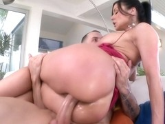 Milf gets her pussy filled with cum and...