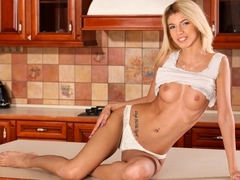Missy Luv in Sexual Feeling - Nubiles