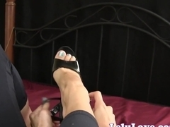 Lelu Love-Blowjob While Changing Shoes