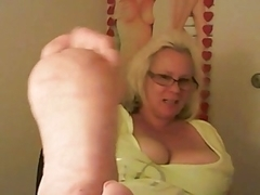 Mother I'd Like To Fuck enjoys her feet getting screwed