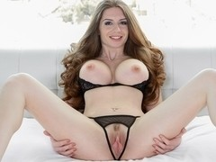 Veronica Vain in Gushing Pussy - FantasyHD Video