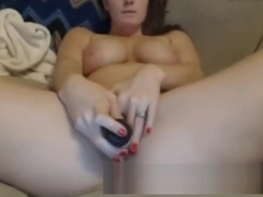 Stepmother Milf pussy play with vibrator - more on sexcams666.de