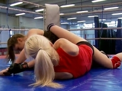 Alexa Wild fighting with Ashley and fingering her pussy