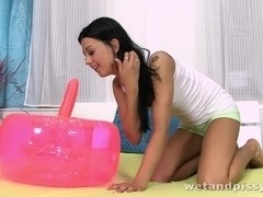 Amateur Czech teen squirts piss