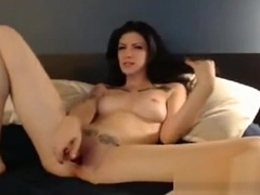 Tattooed Camwhore Orgasms With Glass Dildo