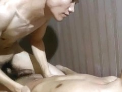 Jelly Roaming Nude Massage