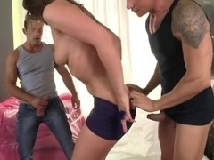 Amateur redneck bitch Savannah Secret swallows the dick like a candy