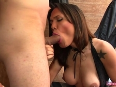 Shemale Deborah Tavares sucking cock