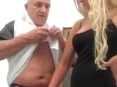 Gratis Tranny anale porno