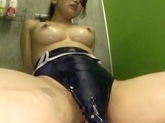Amateur Asian Namiki Anri is toy fucked in the showers