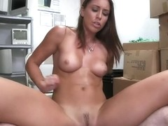 Rilynn Rae loves to be fucked