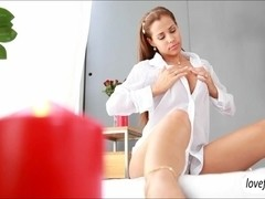 Masseuse babe Satin Bloom fucks client