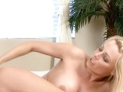 Shameless mom gives her horny pussy for some hardcore