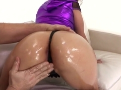 Gracie Glam shows her oiled butt and swallows a delicious wiener
