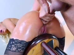 Kenzie Taylor takes it in the ass - Brazzers