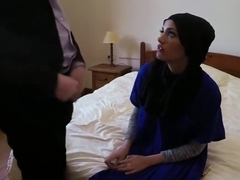 Stud goes on a vacation to bang some nice arab pussy