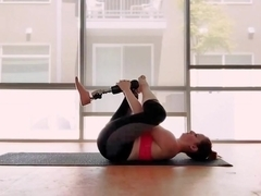 Amputee RAK doing yoga with prosthetic leg