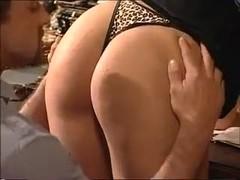 считаю, что это Порно молодая и красивая сестра золотые руки автора могли