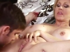 Julia Ann-i fuck my girlfriend mother