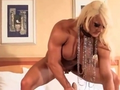 muscle woman trying sybian